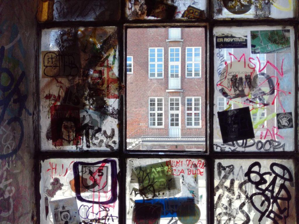 Kodaň za okny bývalých kasáren