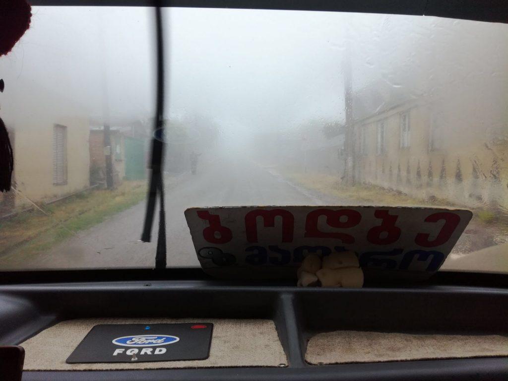 Mlha focená z maršutky