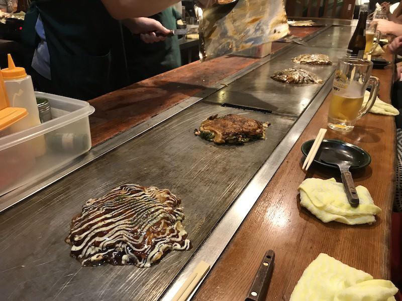 Okonomiyaki - japonská slaná palačinka