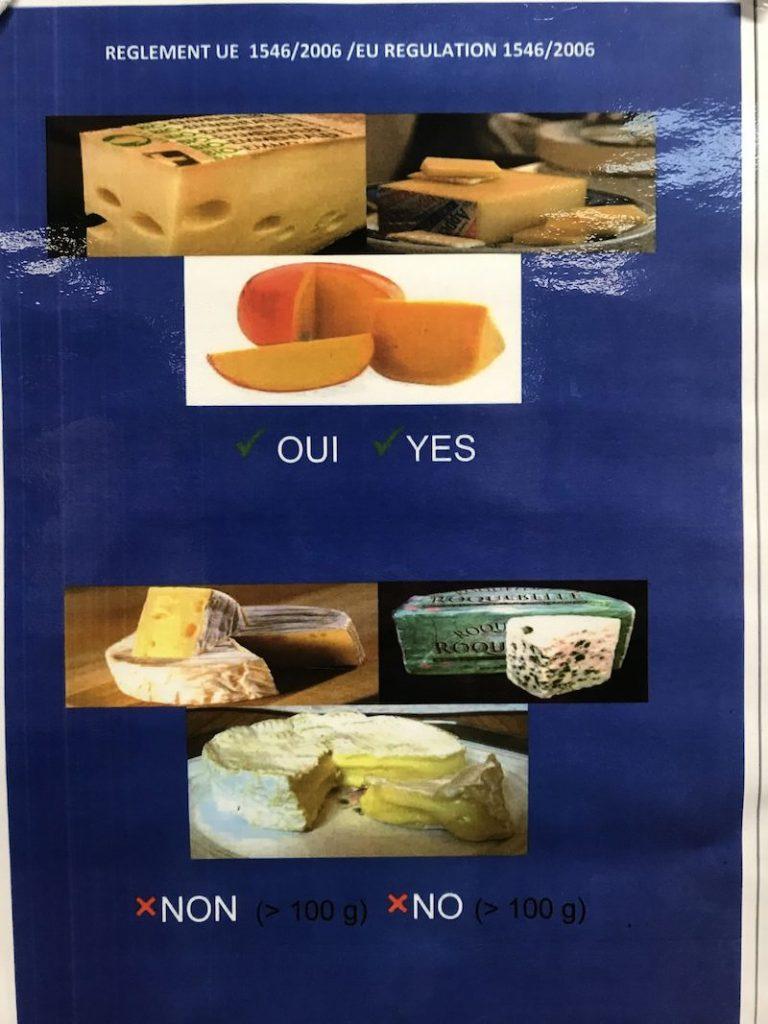 A bacha na měkké sýry, které v příručním zavazadle z Francie nepřevezete!
