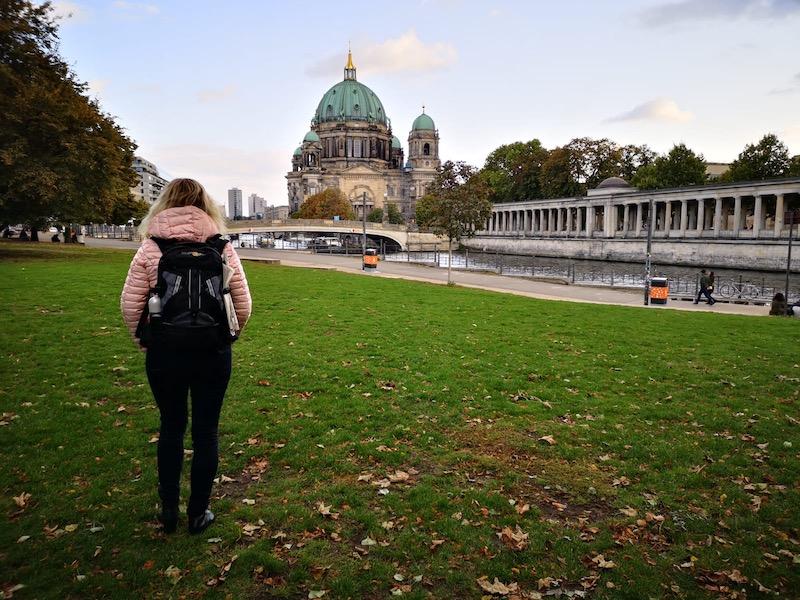 Cestovali jsme s příručním zavazadlem - malými batůžky.