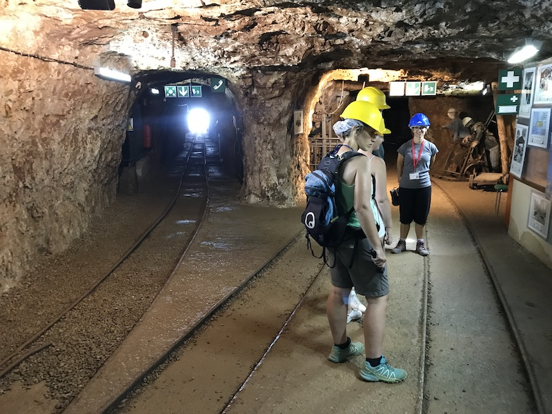 V tunelu Porto Flavia