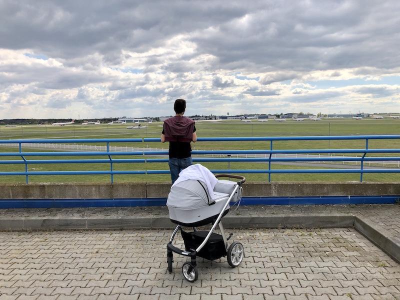 Výhled na uzemněná letadla