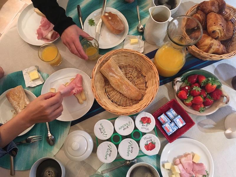 Snídaně v ceně nedaleko Bordeaux ve Francii