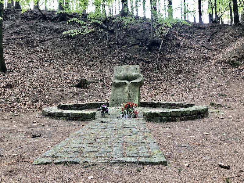 Památník na Bukové hoře