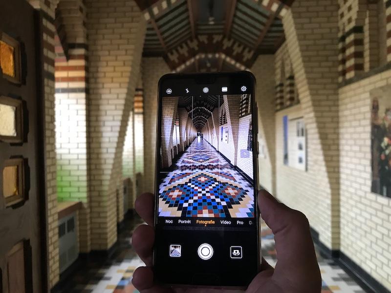 Zase si ten mobil nezasekejte miliony aplikací...