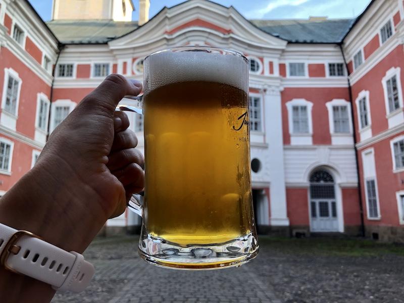 Na pivo ke klášteru
