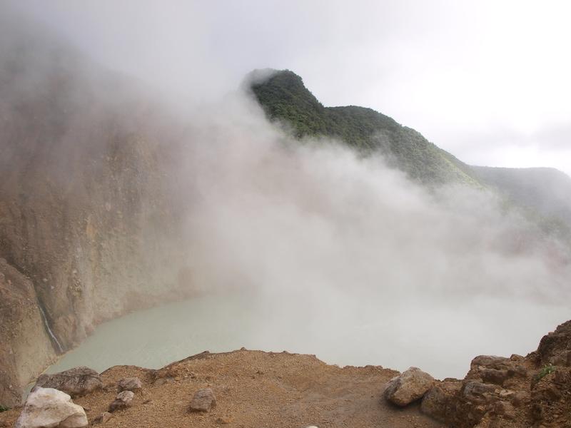 Dominika Karibik boiling lake