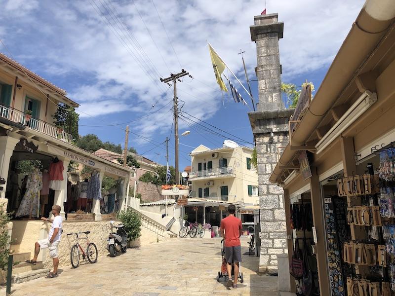 městečko Kassiopi