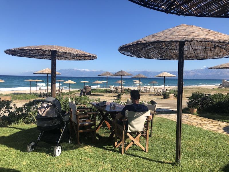 Petra Beach Bar v Almyros