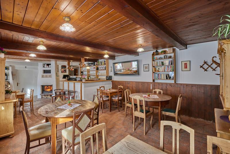 Kavárna v přízemí penzionu