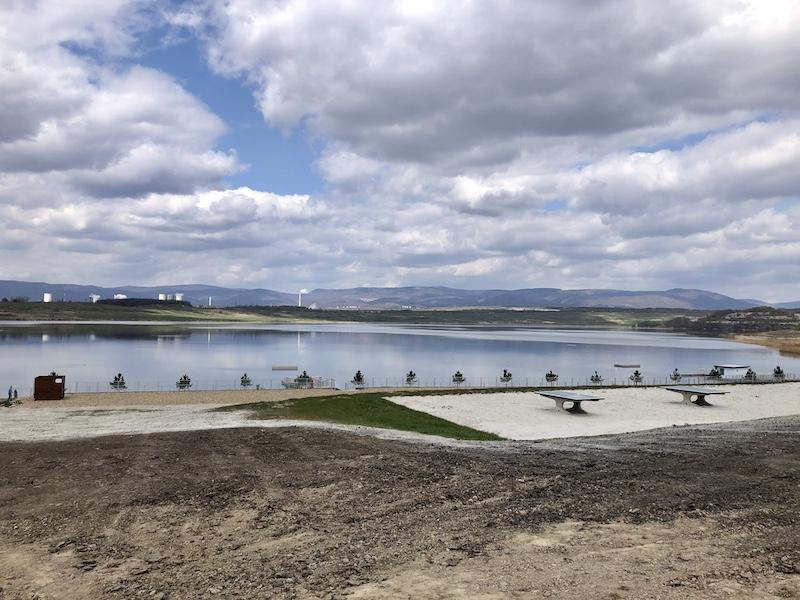 Jezero Most s novou pláží