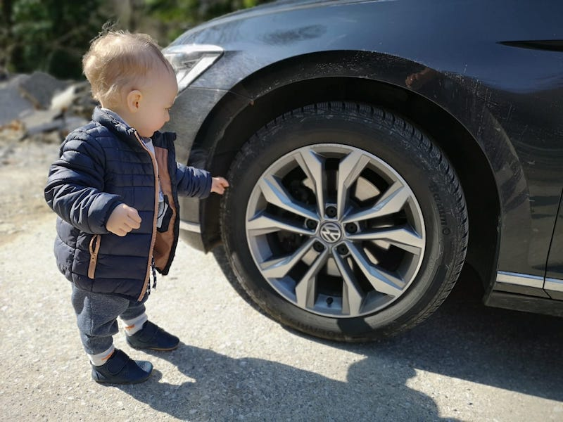 Pauza na cestě a kontrola tlaku v pneu